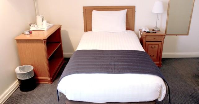 Hotel Leeds single room
